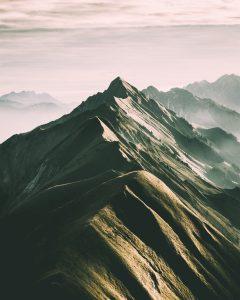 Obstacle mountain montagne crête danger risque